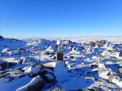 Station GNSS de de Dumont d'Urville en Antarctique